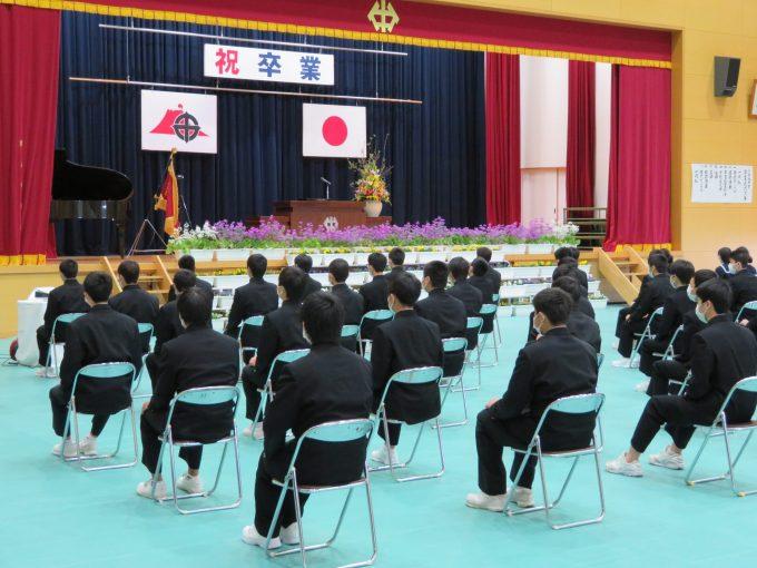 メニュー新たな旅立ちへ~本校,分教室卒業式開催~